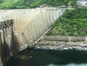 Lake Kariba dam wall